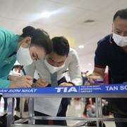 Điều chỉnh việc kiểm tra tờ khai y tế tại sân bay